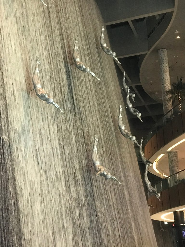 Dubai on a short stopover: Dubai Mall Water Feature